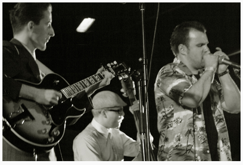Sonny and Chubby with Gordon Taylor on bass