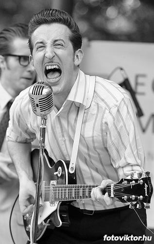 Sonny's shoutin'